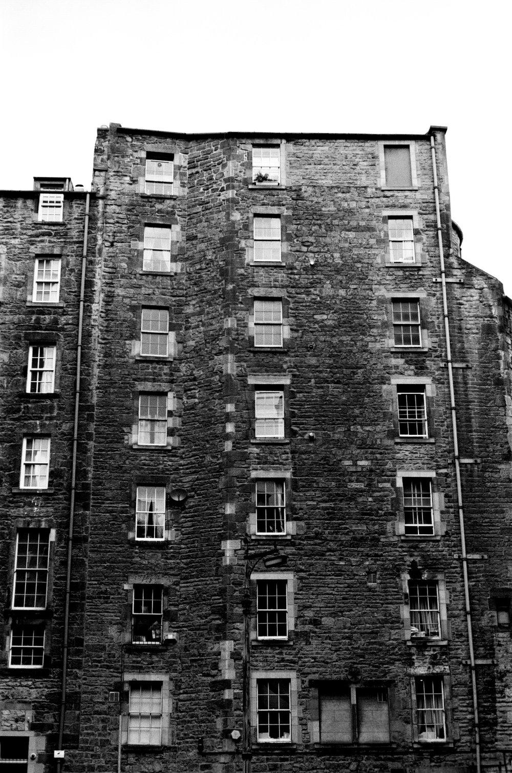 021_EdinburghBuilding.jpg