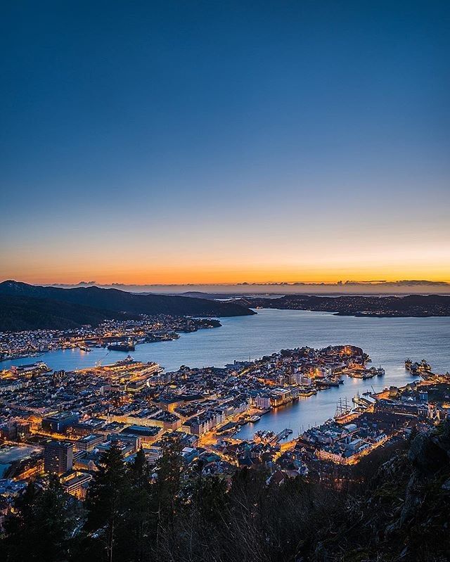 This has been our new home in #Norway since mid Feb. and as much as people say it rains a lot in #Bergen, we get some super nice days too 🌞 This was shot up #Fløyen at twilight last night under a #cloudless sky 👌  @VisitNorway @VisitBergen @ @nikonnz 📷 #Nikon #D810 17-35mm f/2.8 at 25mm, f/11, 10s, ISO 31