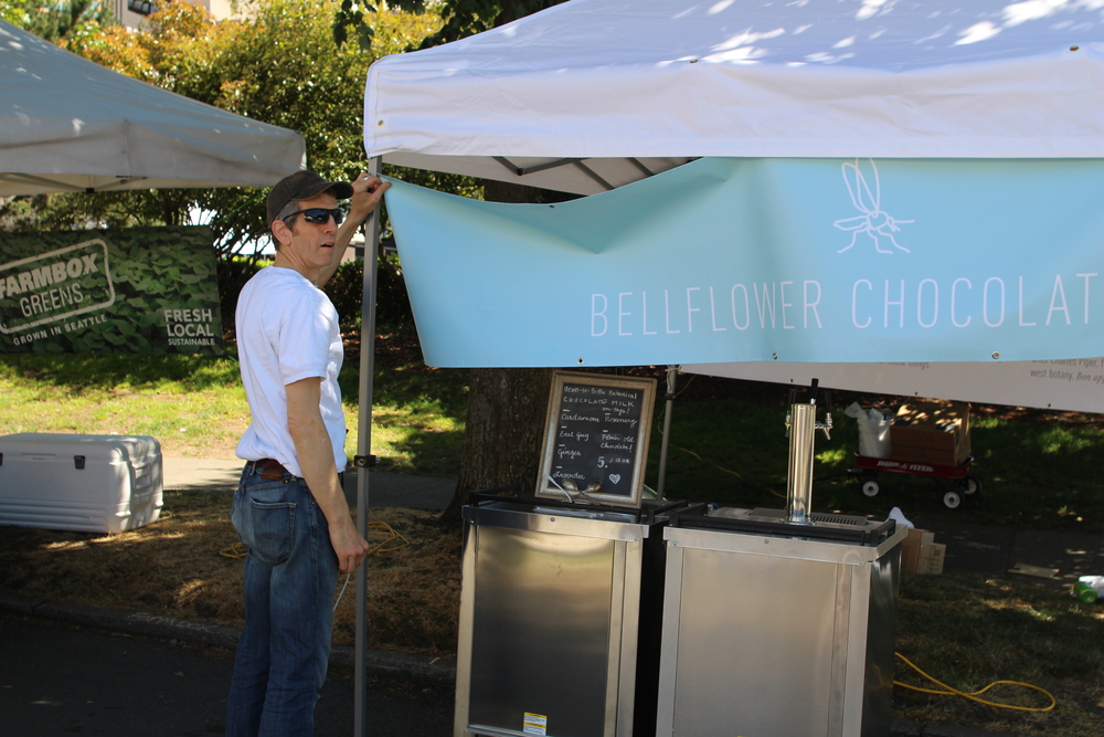 Bellflower_marketstand