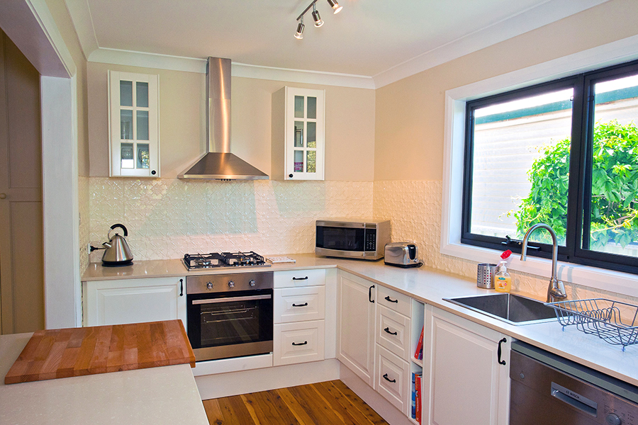 Cottages in Orange - Darling Cottage - Fully Equipped Kitchen
