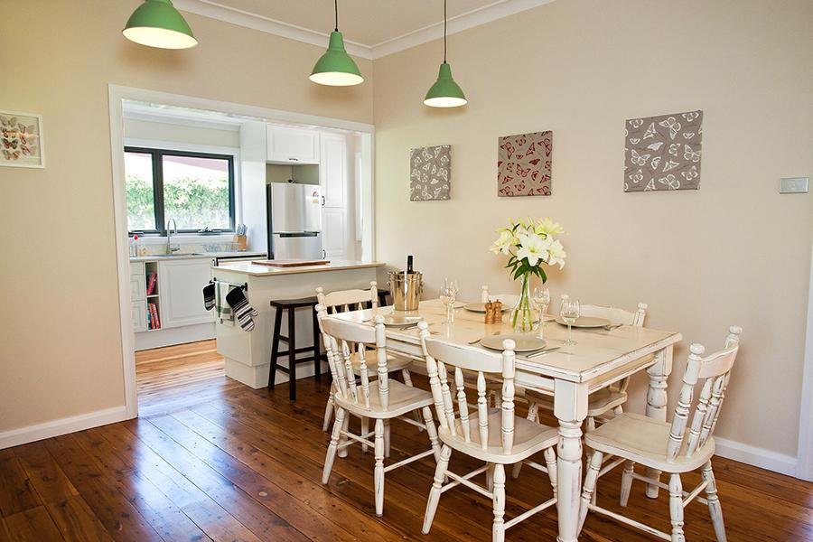 Cottages in Orange - Darling Cottage - Dining Room