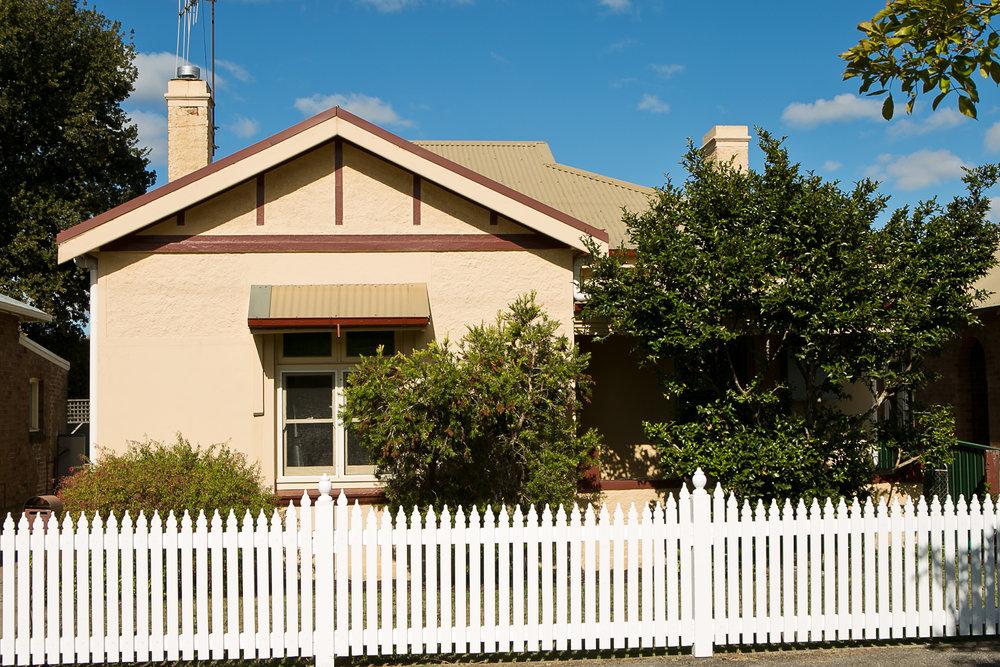 Dreamer's Cottage in Orange