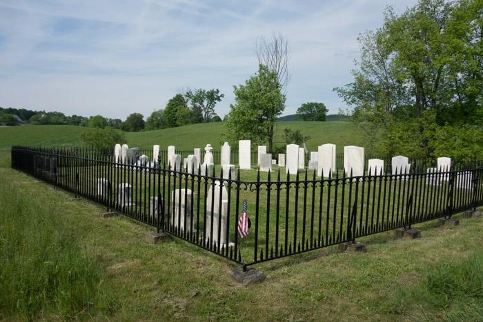 Morrison Cemetery IaA-7.jpg