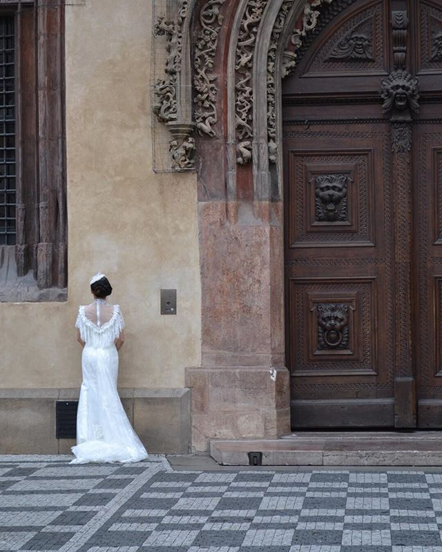 One of my favorite memories of Prague. I loved getting up early and strolling down to the Charles Bridge to pass by the insane amount of bridal portraits occurring all at once. | Summer 2015