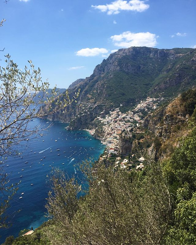 Sentiero degli Dei - Walk of the Gods - takes you through the cliffs of the Amalfi Coast. At the end there's a stall selling fresh granita 🍋 and bruschetti 🍅