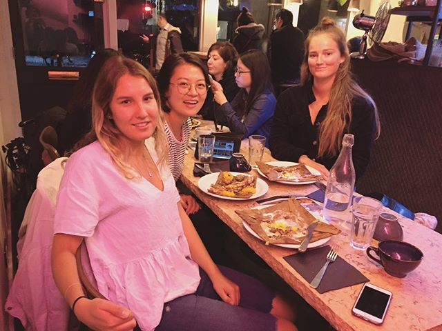 Crepes and babes @annaliseneighbour @laura_cook_