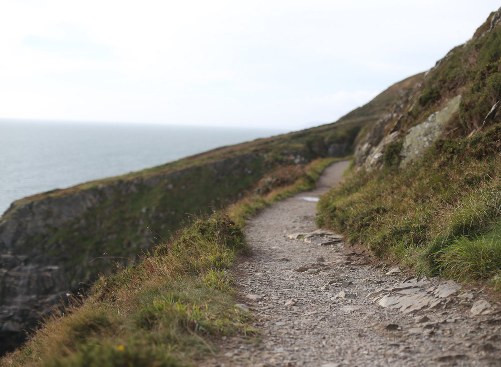 cliff-walk-howth-ireland-trail.jpg