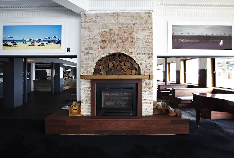 Hotel Steyne Manly Seaside Bar Fireplace