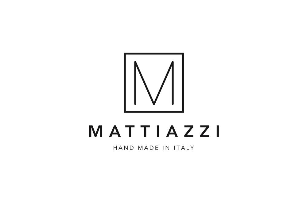 義大利手工實木傢俱老廠,結合知名傢俱設計師,高級的實木加上精湛的手工技藝,打造出永久流傳的經典實木傢俱!