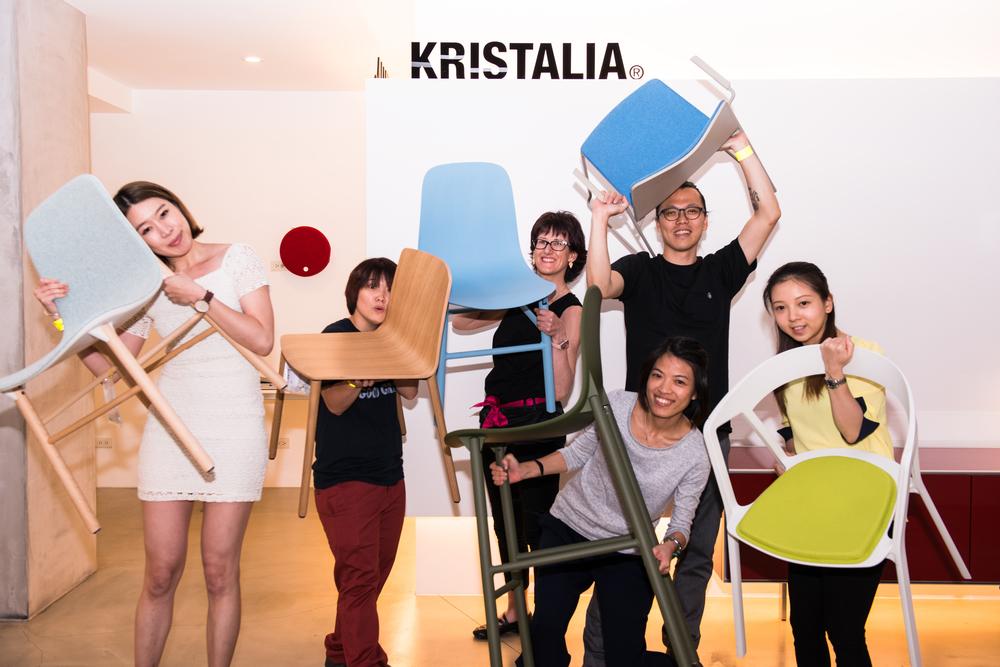 ▲Kristalia銷售總監Marilisa、與工作人員大合影