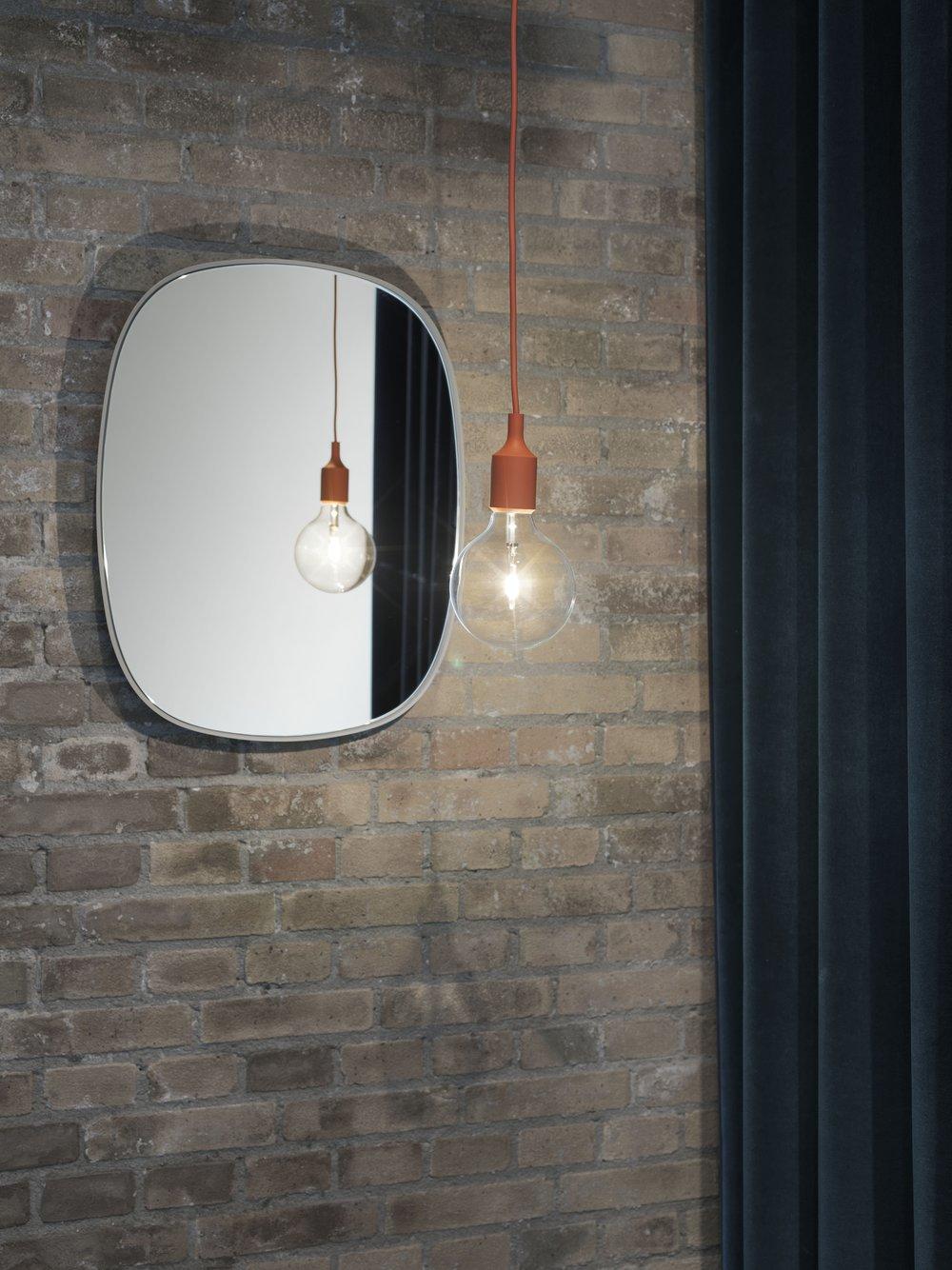 E27_Framed_mirror_med.jpg