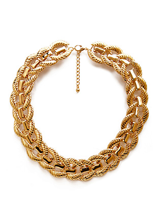 Forever21  Sleek Chain-Link Collar Necklace $8   www.forever21 .com