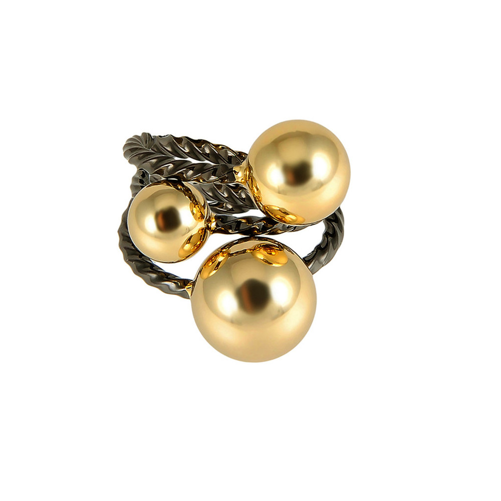 Giles and Brother  Triple Twist & Ball Ring Set $75   www.gilesandbrother.com