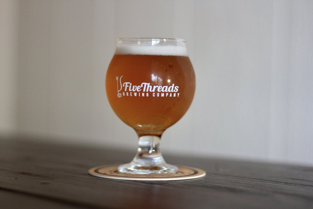 spelt right saison | saison  26 IBU, 6.5% ABV  Aromas of peach and pear, complemented by spice.