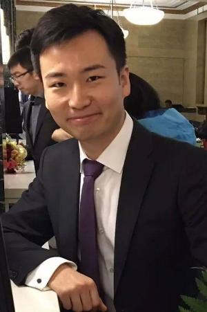 Bolong Li,Senior Manager, Mobile Marketing @Audible, an Amazon Division Bolong现任亚马逊的移动营销高级经理。他也曾在苹果公司从事商业开发。在产品管理领域颇有建树的他很高兴和大家分享他的行业经验以及创业经历。 Keyword: #ProductMarketing