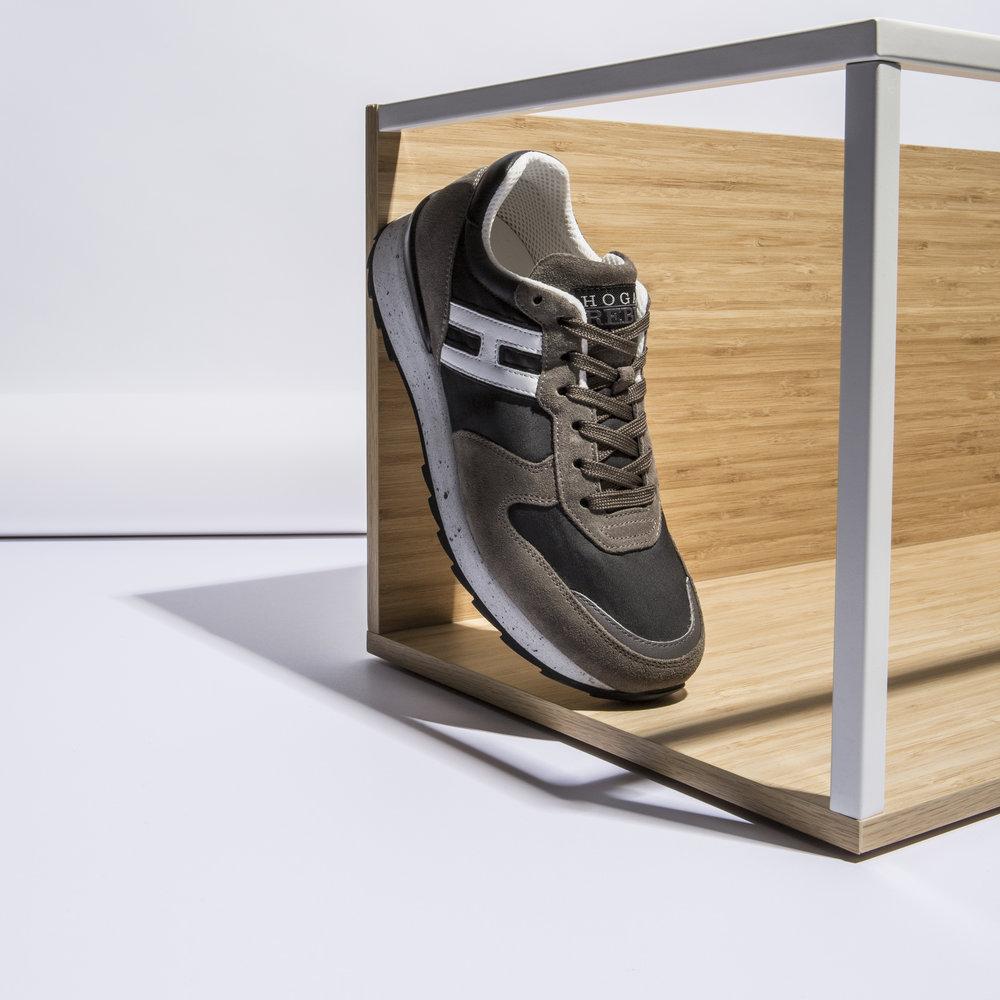 HOGAN sneakers.jpg