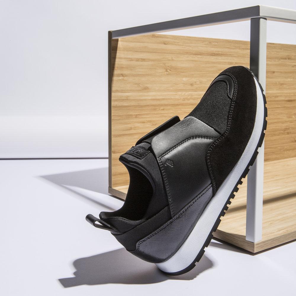 TOD'S sneakers.jpg