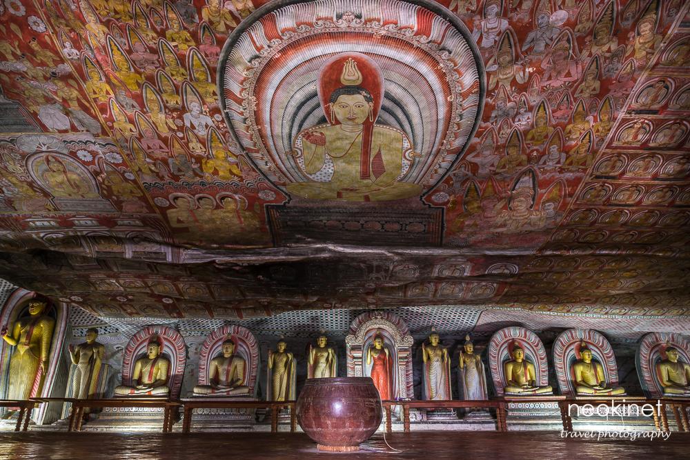 Dambulla Cave Temple | Nikon D800 | Nikkor 24-70mm @24mm | 6 sec, f/11, ISO 100 | Novoflex BasicBall mini tripod