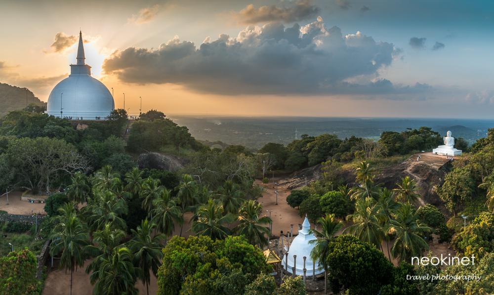 Mihintale Temple, Sri Lanka | Nikon D800 | Nikkor 24-70mm f/2.8 @ 24mm | f/11,ISO 100 | HDR in Lightroom