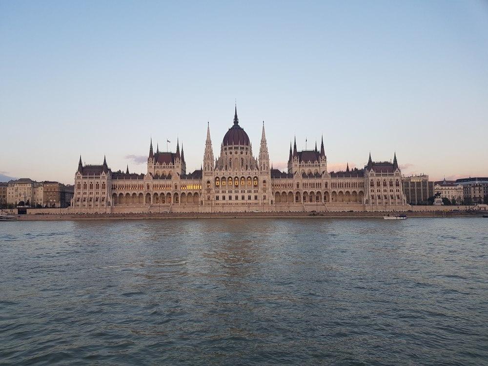 Budapest_IMG_2016-08-24_19.24.16_compressed.jpg