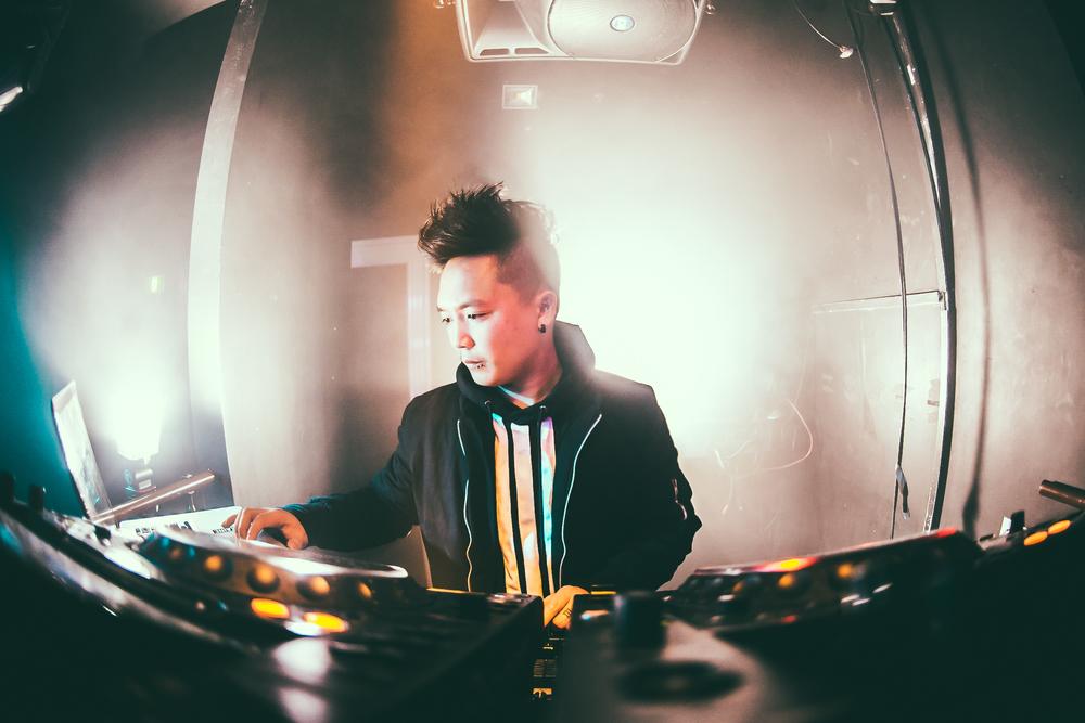 DJ Shook /I <3 R&B at The Key Club