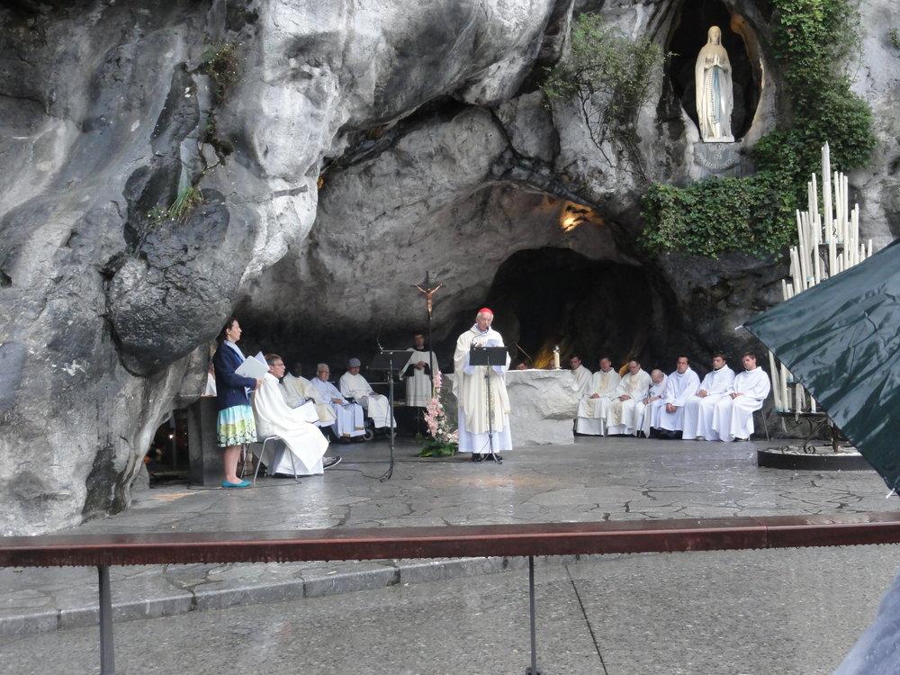 Eucharistie grot.JPG