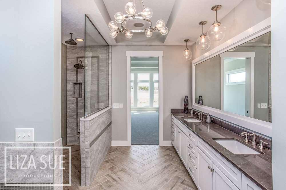 CLEVELAND AKRON REAL ESTATE PHOTOGRAPHY