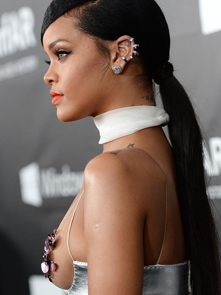 Rihanna-ear cuff.jpg
