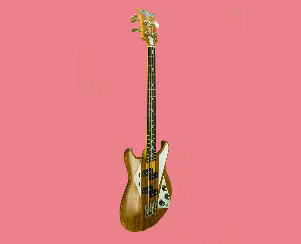 Beta 30-4 Bass in Natural Mahogany with two split-coil precision-style pickups