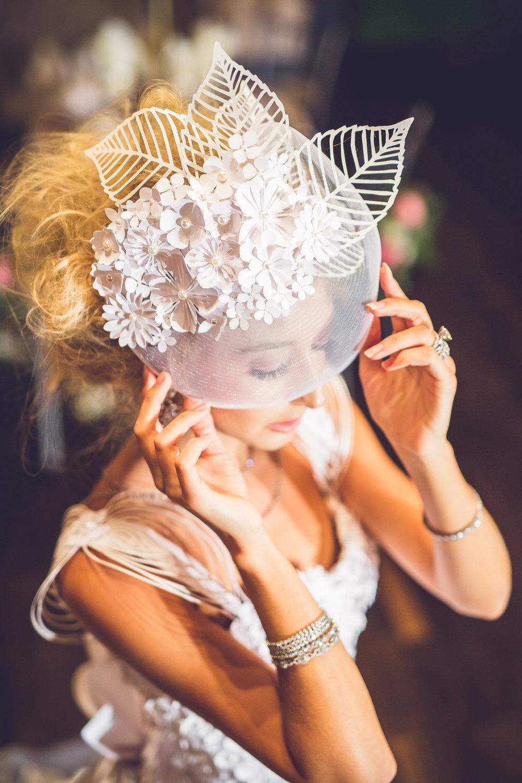Elegant bridal fascinator