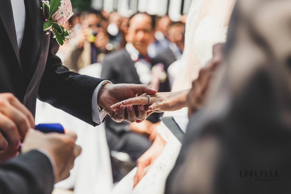 candid wedding photographer in toronto