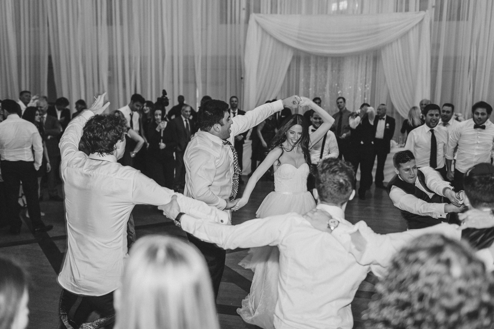 jewish wedding dance horah bride and groom