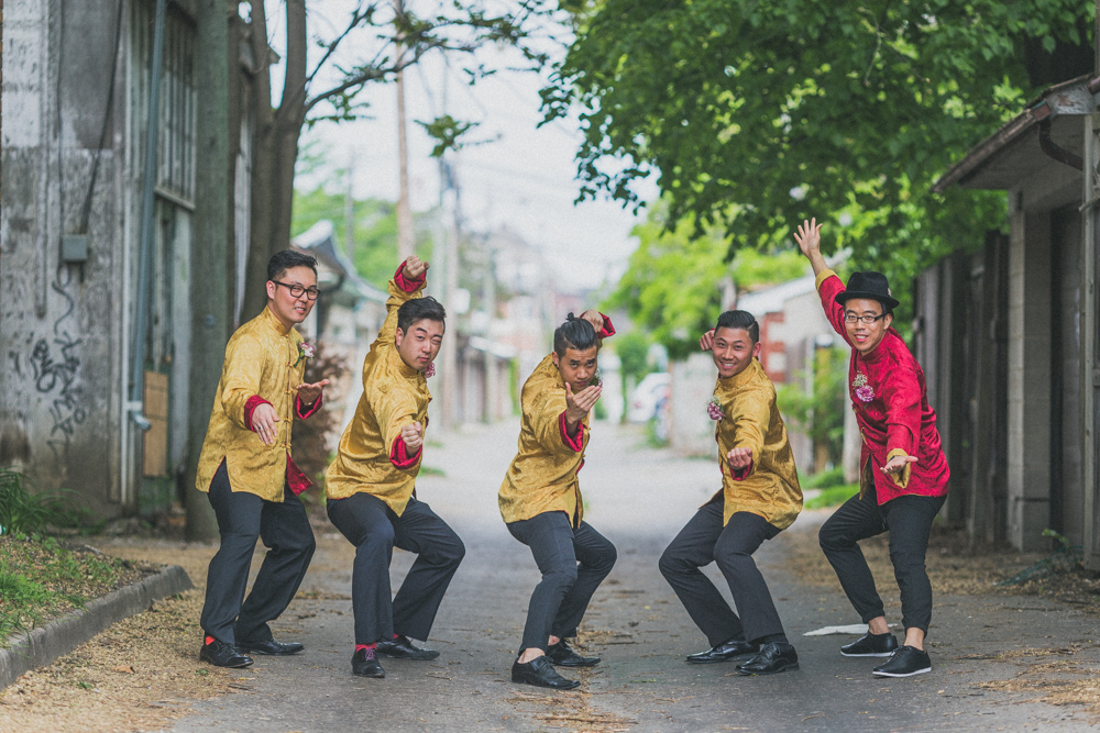 Chinese Wedding Creative Bridal Party Photos Groom and Groomsmens