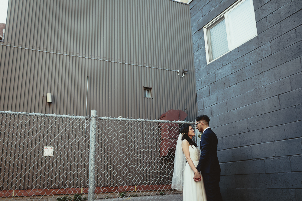 creative candid wedding photos