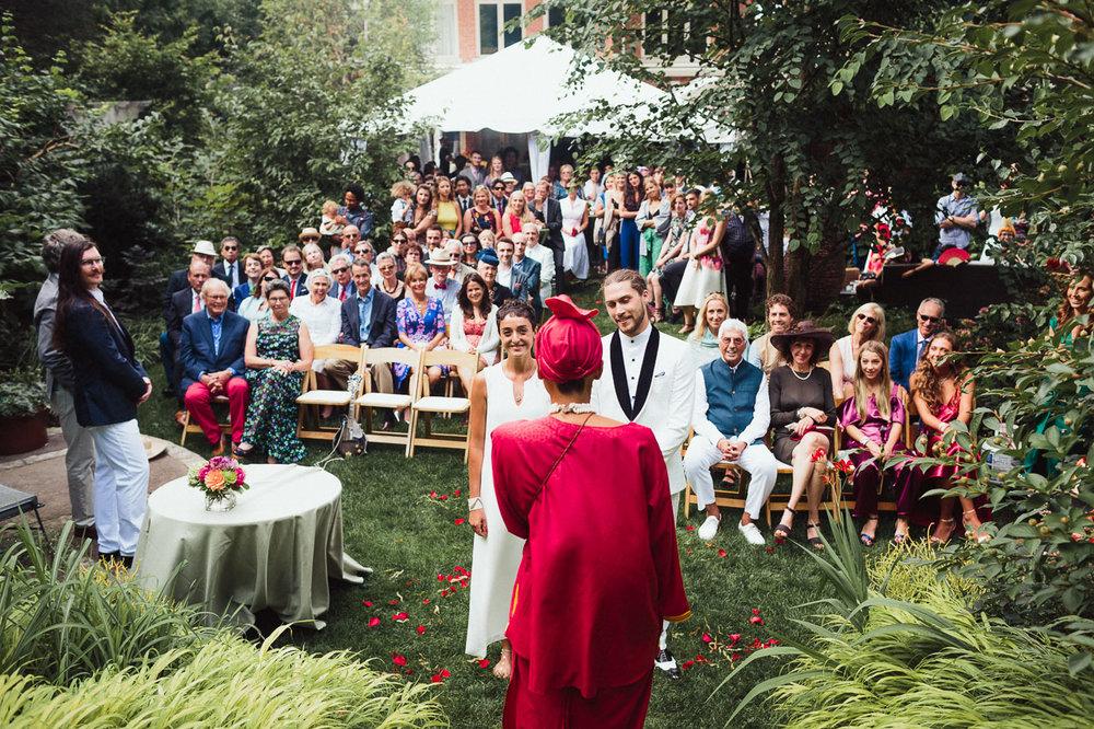 intimate backyard wedding photography by toronto wedding photographer evolylla photography 0034.jpg