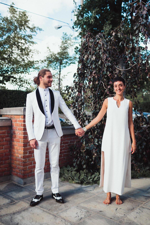 intimate backyard wedding photography by toronto wedding photographer evolylla photography 0058.jpg