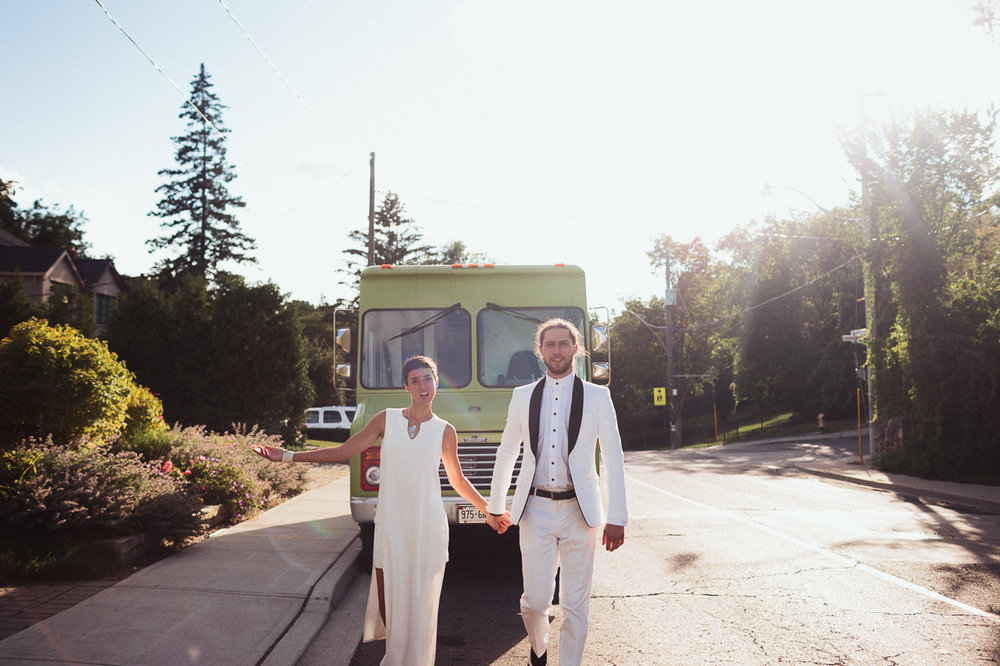 Backyard Wedding by Best Wedding Photographers Toronto Evolylla Photography