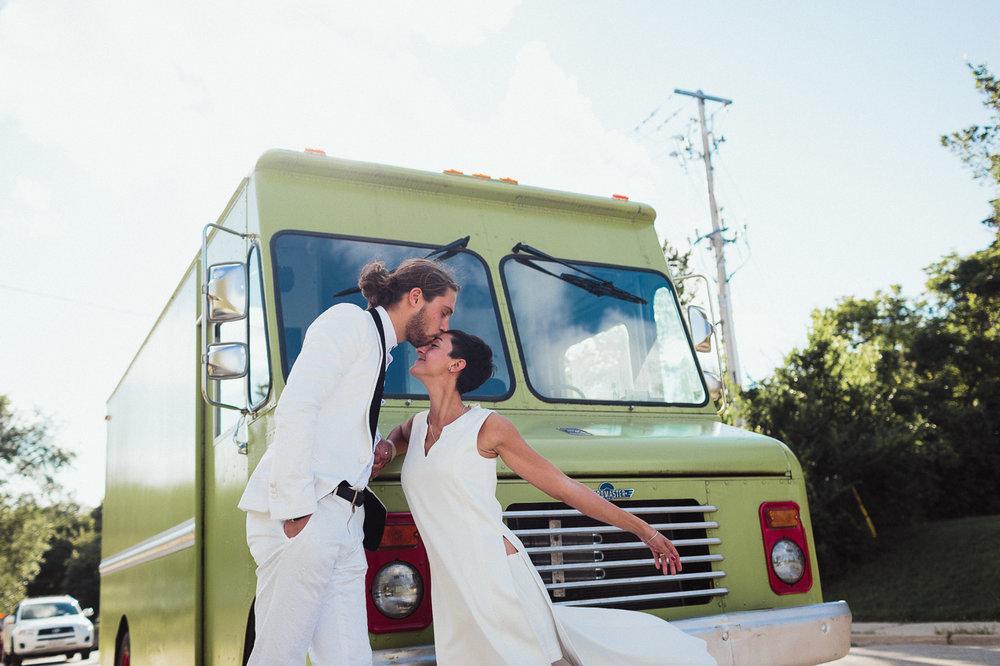 intimate backyard wedding photography by toronto wedding photographer evolylla photography 0066.jpg