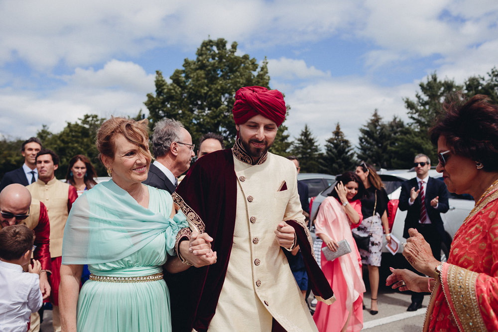 Toronto Indian Wedding by Toronto Wedding Photographer Evolylla Photography 0002.jpg