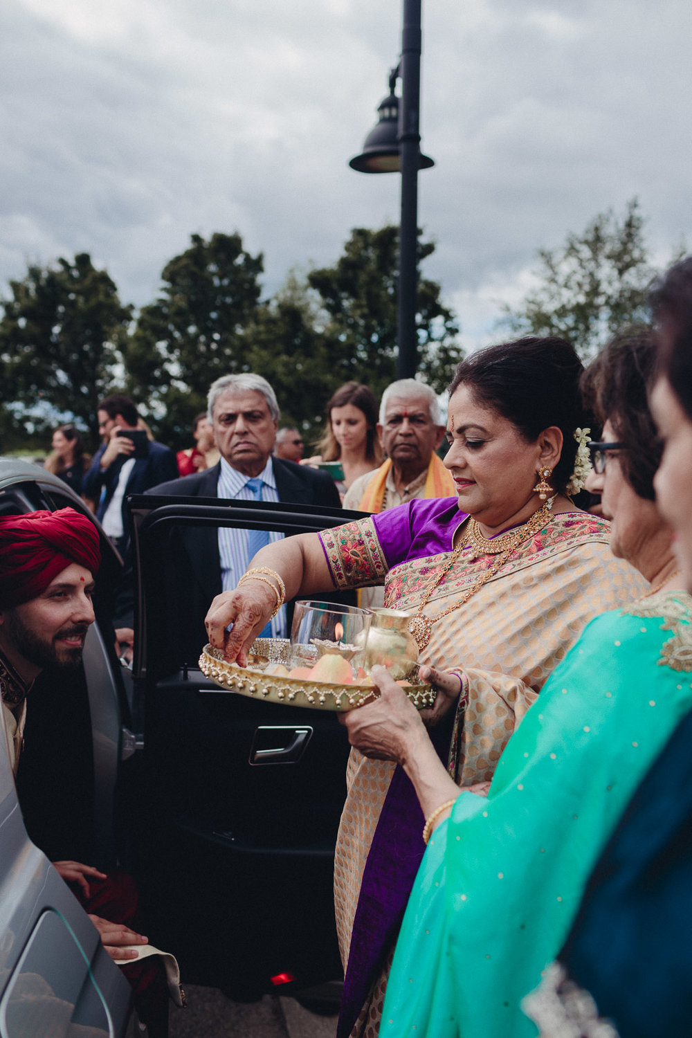 Toronto Indian Wedding by Toronto Wedding Photographer Evolylla Photography 0010.jpg
