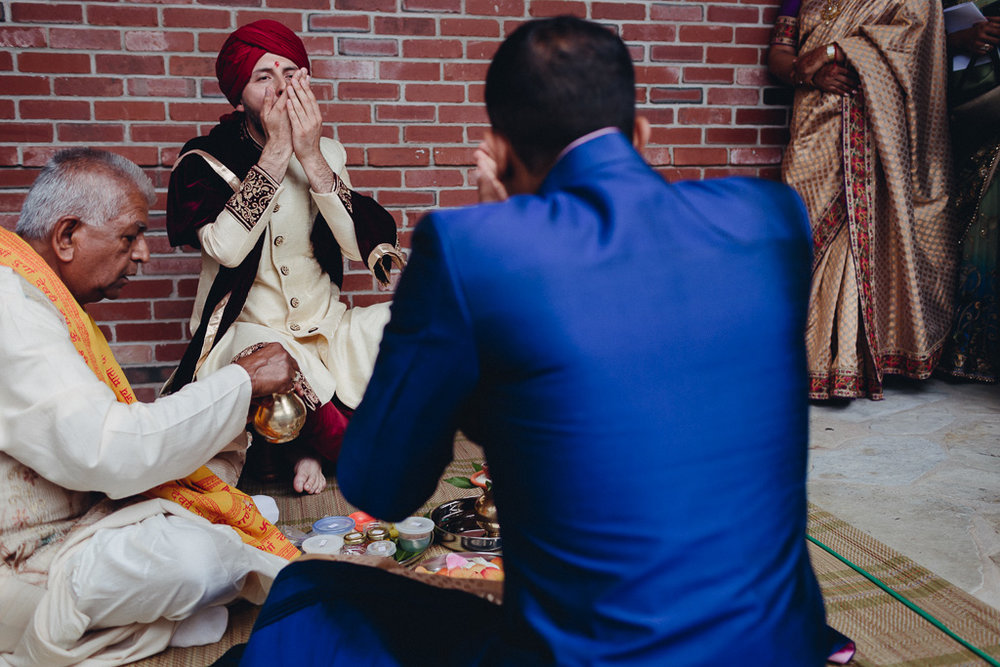 Toronto Indian Wedding by Toronto Wedding Photographer Evolylla Photography 0014.jpg