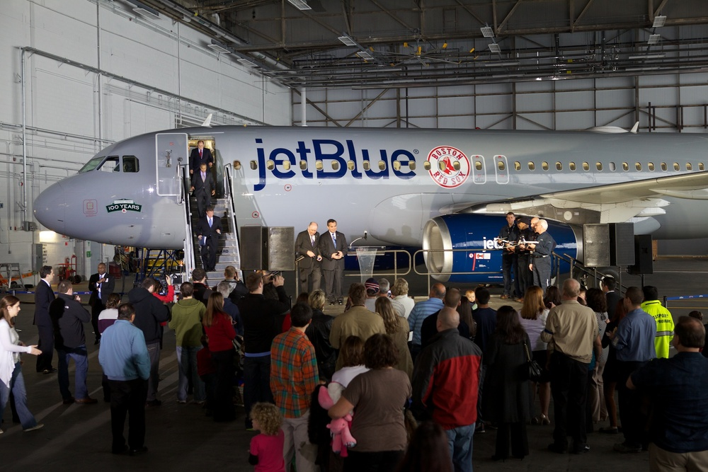 jetBlue Logan 24.jpg