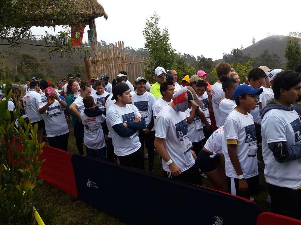 Participantes previo a la iniciación de la Carrera