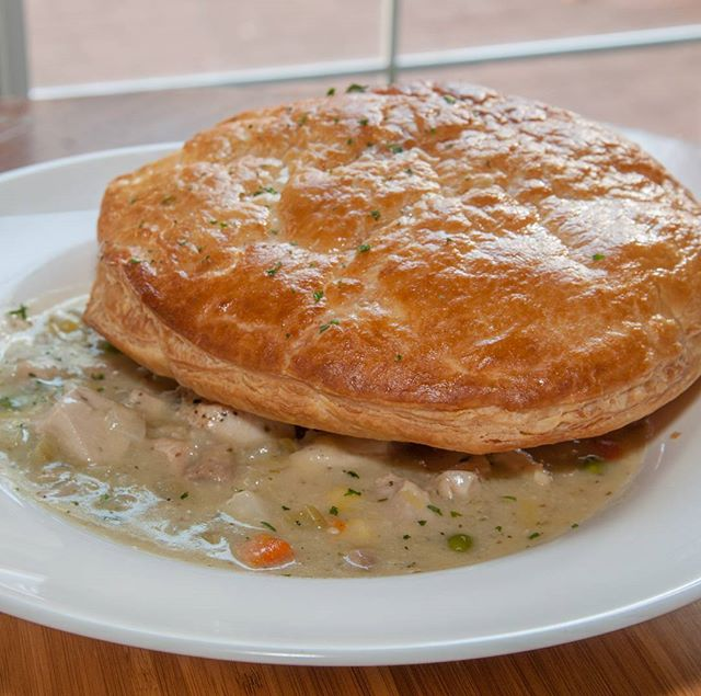 Feels like a chicken pot pie kind of day! #yeg #yegfood #duggansboundary #sherlockholmesdt #sherlockholmescampus #sherlockholmeswem #pubfood #comfortfood