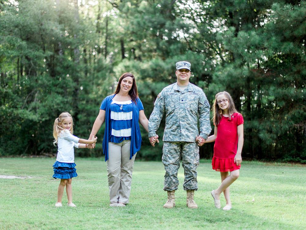 Military Lifestyle Family Session // www.kristalajara.com