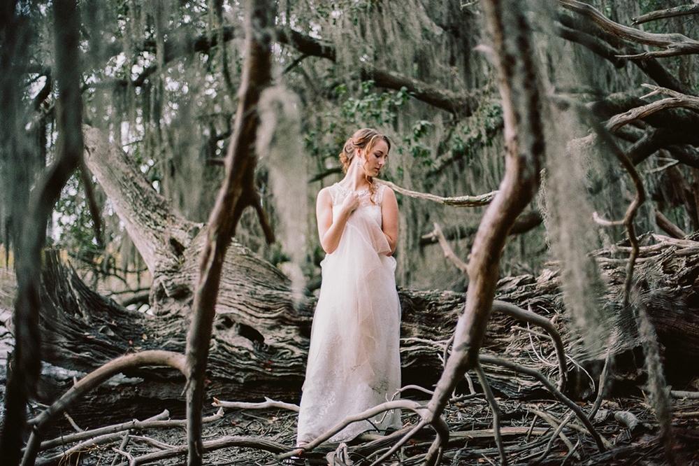 Dreamy Bridal Photography // www.kristalajara.com