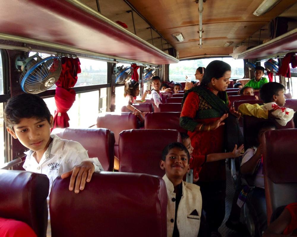 indiabus.JPG