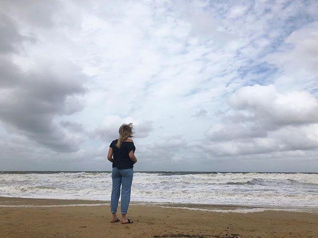 Facing the ocean puts everything into perspective ✨ . #ocean #fun #vacation #virginia #virginiabeach #instadaily #instagood