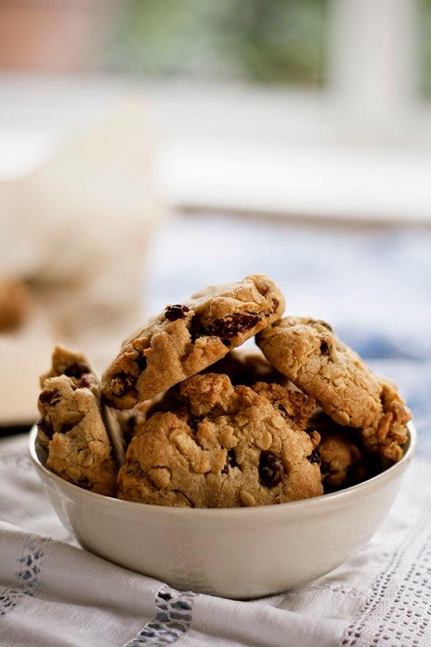 perfect+oatmeal+raisin+cookies+2.jpg