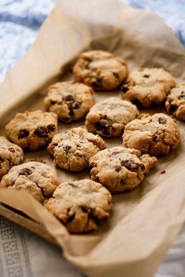 perfect+oatmeal+raisin+cookies+1.jpg
